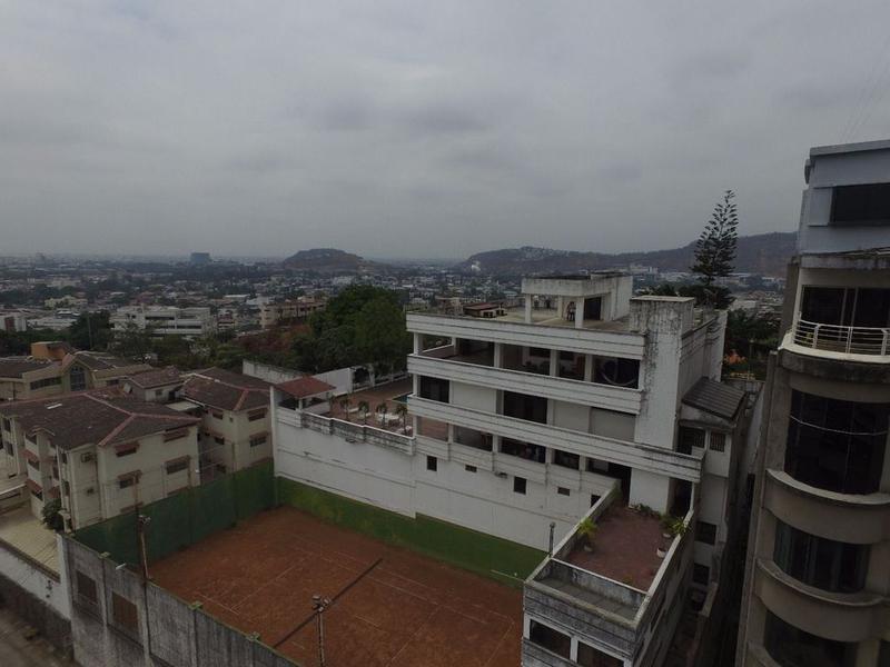Foto Casa en Venta en  Norte de Guayaquil,  Guayaquil   VENTA DE PROPIEDAD ESPECTACULAR EN  LOMAS DE URDESA