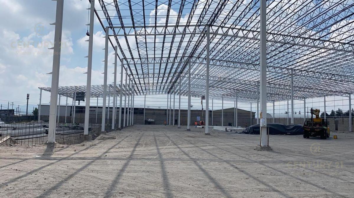 Foto Nave Industrial en Renta en  San Pedro Totoltepec,  Toluca  Nave industrial en renta en San Pedro Totoltepec