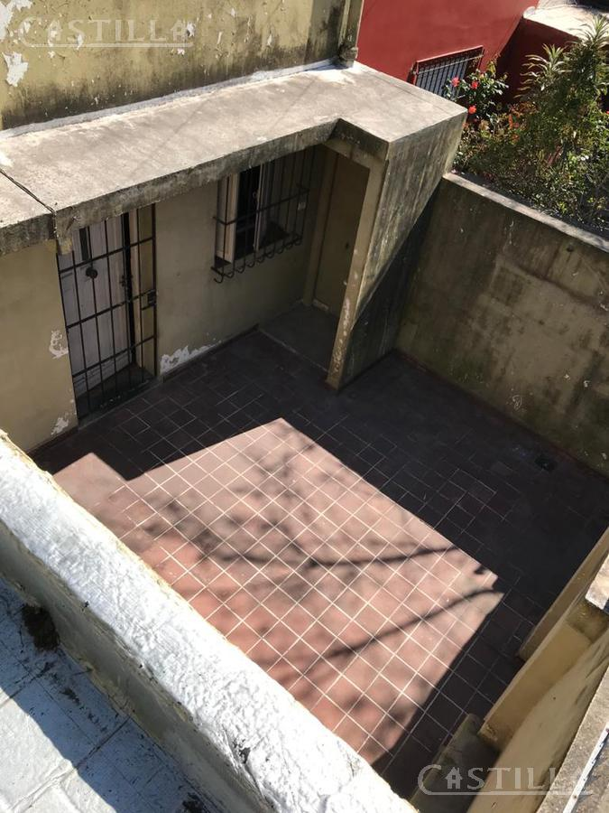 Foto Casa en Venta en  San Fernando,  San Fernando  25 DE MAYO entre BESARES y BRANDSEN