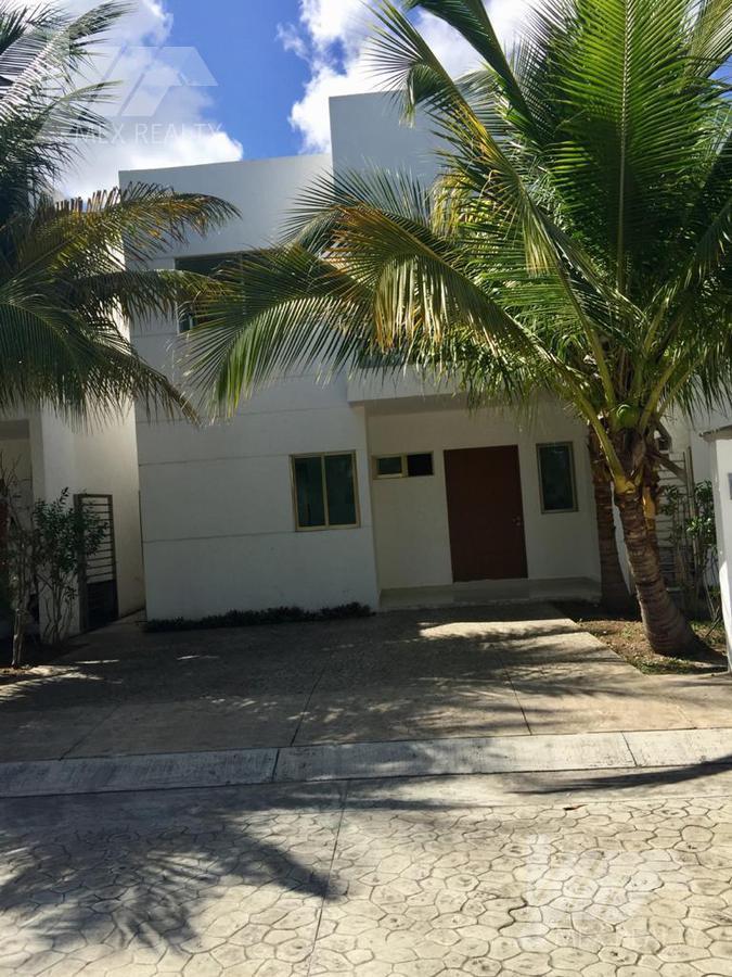 Foto Casa en Renta en  Cancún,  Benito Juárez  RENTA O VENTA CASA EN RESIDENCIAL  ARTES, SOBRE AV. LA LUNA Y NICHUPTE, CLAVE ROSS12020