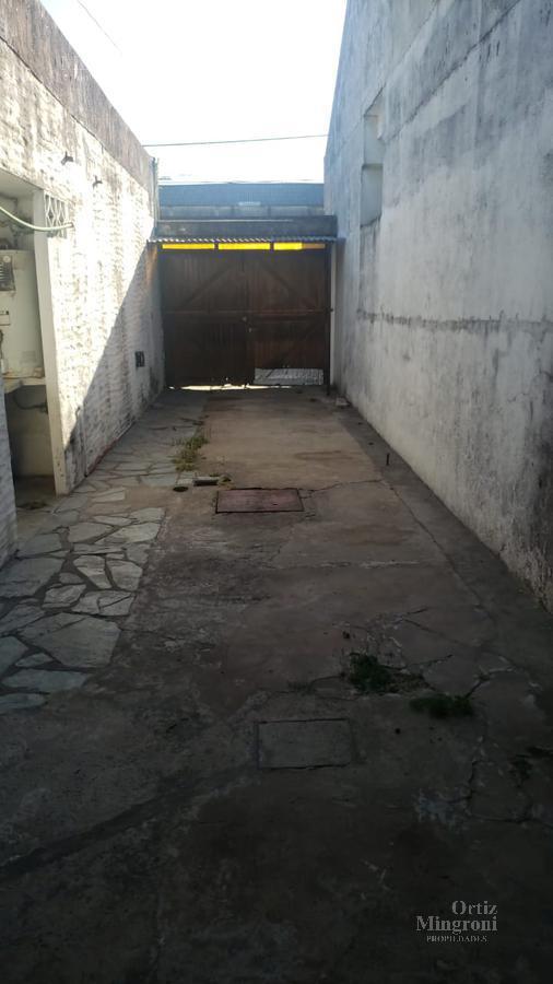 Foto Casa en Venta en  Turdera,  Lomas De Zamora  Soler al 2000