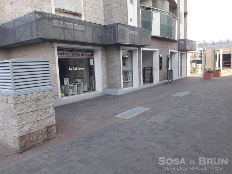 Foto Local en Venta en  Alto Villasol,  Cordoba Capital  Vendo local comercial complejo Alto Villasol 60m2