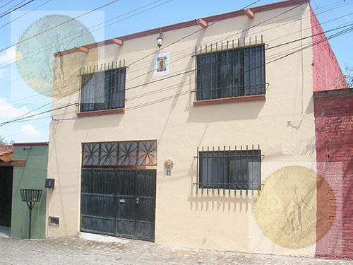 Foto Casa en Venta    en  Barrio San Juan,  Tequisquiapan  Excelente inversión