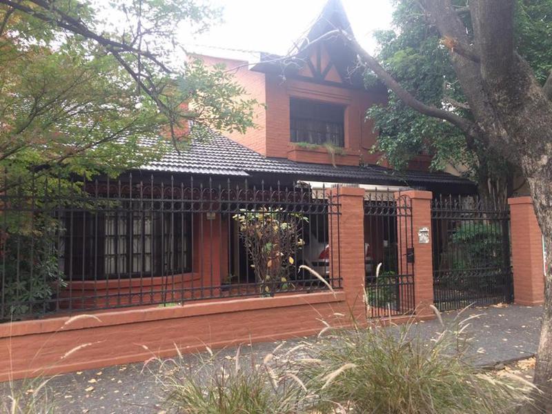 Foto Casa en Venta en  Haedo,  Moron  Directorio 582