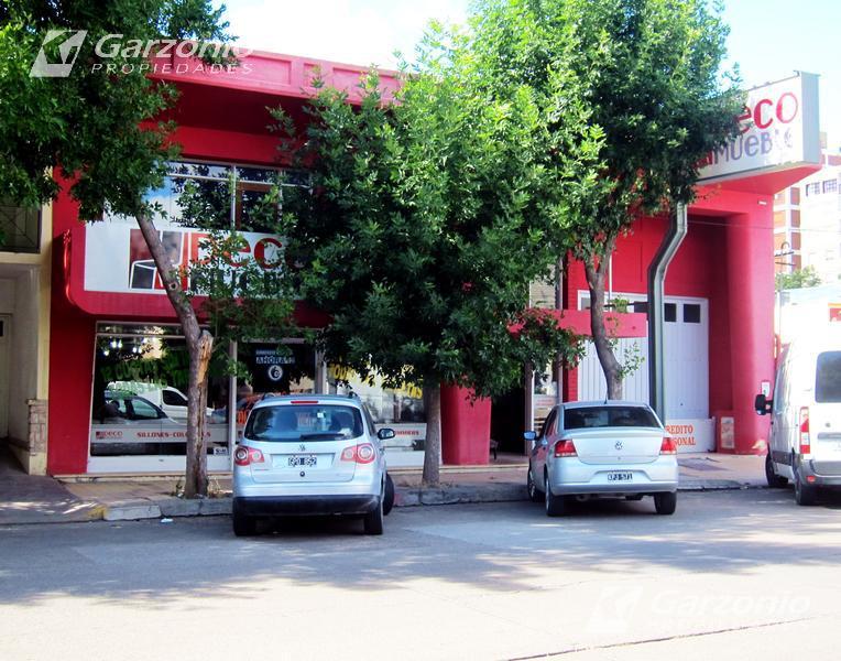 Foto Local en Venta en  Trelew ,  Chubut  9 de Julio al 600