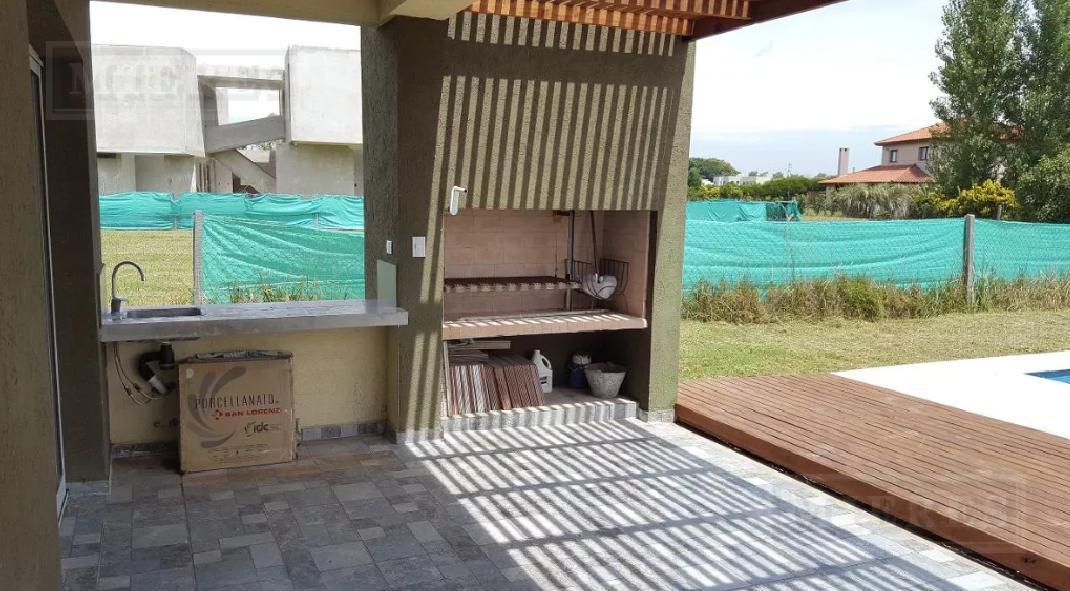 Casa en venta en Haras Santa Maria Barrio Los Robles
