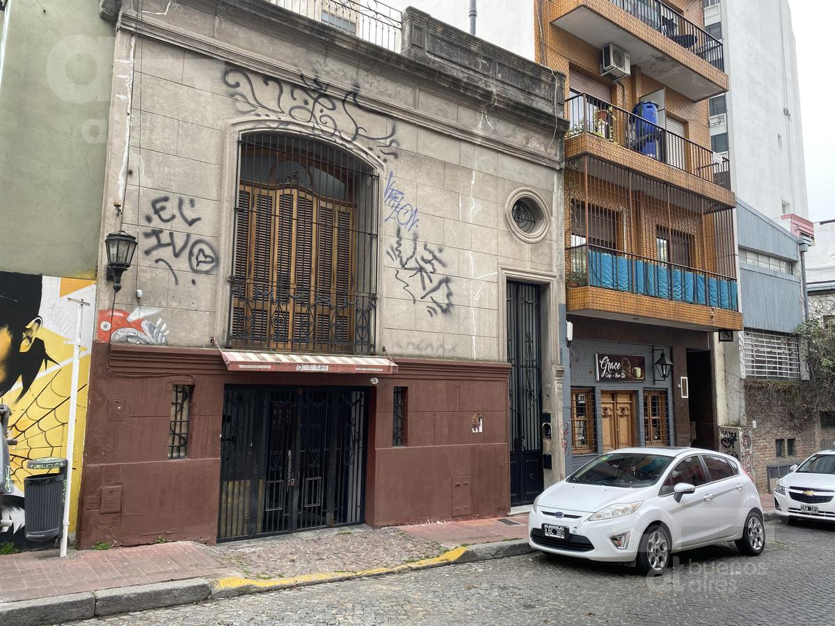 Foto Local en Alquiler en  San Telmo ,  Capital Federal  Pje. Giuffra al 300