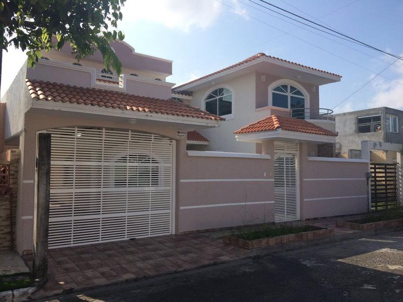 Foto Casa en Venta en  Unidad habitacional Floresta 80,  Veracruz  Casa Residencial Estilo Californiano en Venta para Estrenar