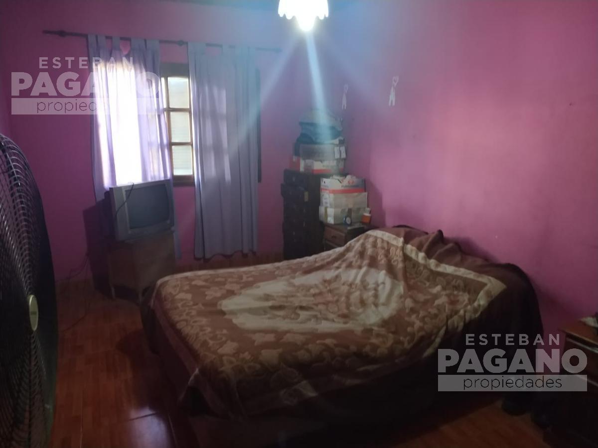 Foto Casa en Venta en  La Plata,  La Plata  136 E 524 Y 525 N° 732