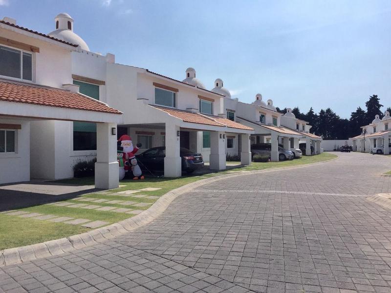 Foto Casa en Renta en  Amomolulco,  Lerma  Residencial Marbella en Renta en Zona Club de Golf Los Encinos