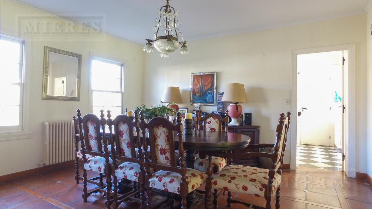 Mieres Propiedades - Casa de 470 mts en  Highland Park