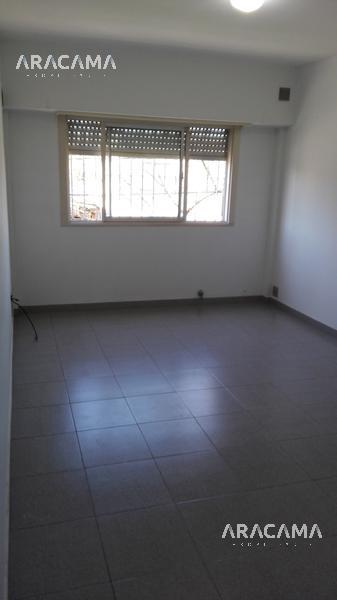 Foto Departamento en Alquiler en  Monte Grande,  Esteban Echeverria  Vicente Lopez al 900