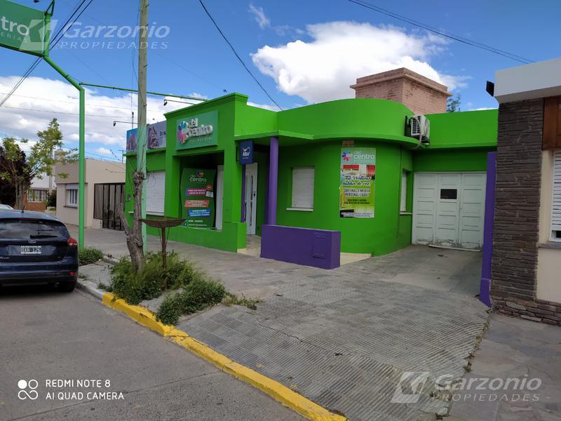 Foto Casa en Venta en  Trelew ,  Chubut  Rivadavia al 600