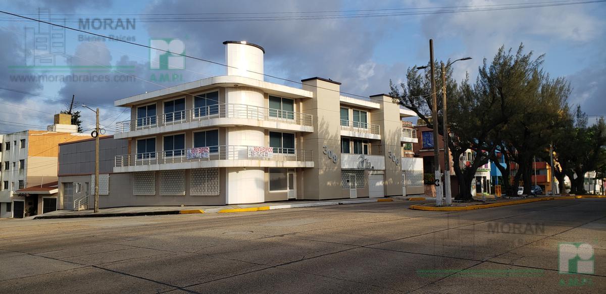 Foto Edificio Comercial en Renta en  Coatzacoalcos ,  Veracruz  Av. Paseo Miguel Alemán (Venustiano Carranza) No.  306 esquina Av. Bellavista, Zona Centro, Coatzacoalcos, Ver.