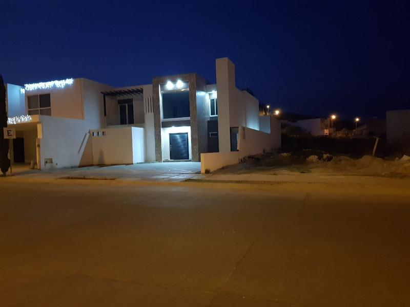 Preventa Casa ubicada dentro de privad en Porta Fontana zona norte