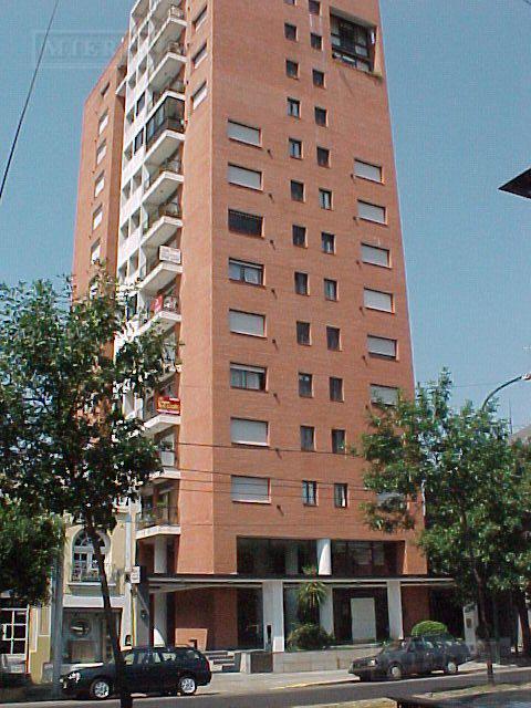 Departamento - San Isidro - Vias/Rolon