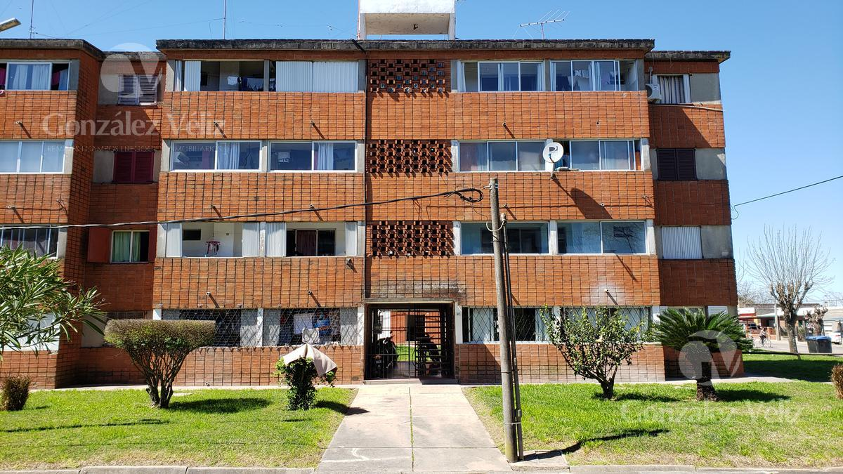 Foto Casa en Alquiler en  Carmelo ,  Colonia  Lindo apartamento INVE -1er piso. 3 hab.