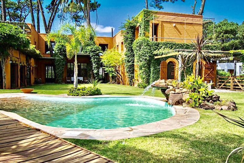 Foto Casa en Venta | Alquiler | Alquiler temporario en  La Arbolada,  Jardines de Cordoba  Avenida del Mar y Paso de la Cadena