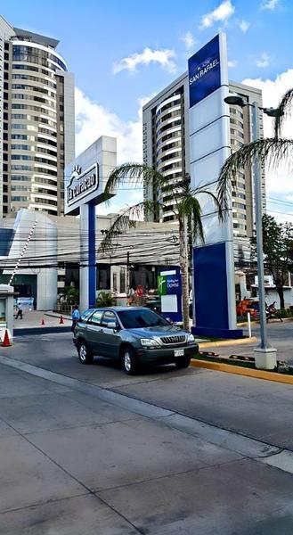 Foto Local en Renta en  Boulevard Suyapa,  Tegucigalpa  Local Comercial Plaza San Rafael Frente Ala Curacao Las Lomas Tegucigalpa