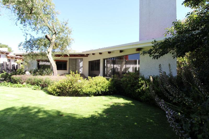 Foto Casa en Renta en  Club de Golf los Encinos,  Lerma  Fraccionamiento Club de Golf los Encinos, Lerma, Mex., Residencia en venta al campo de golf