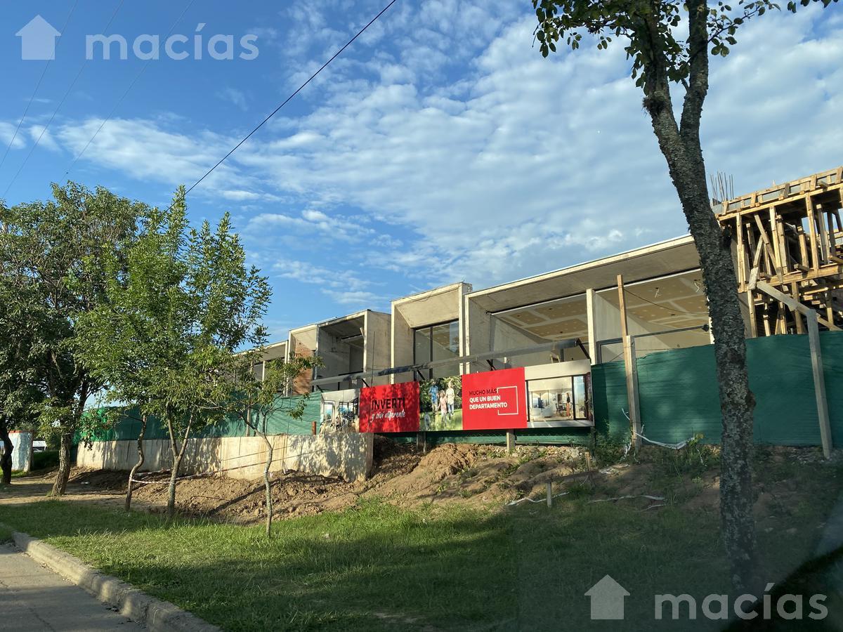 Foto Local en Venta | Alquiler en  Yerba Buena ,  Tucumán  Las rosas al 1100