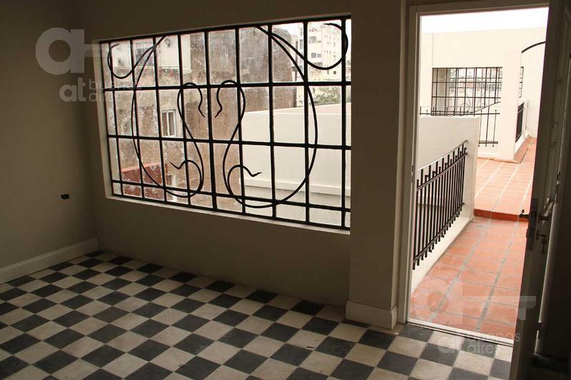 Foto Edificio Comercial en Venta en  Barracas ,  Capital Federal  Tacuari al 1700