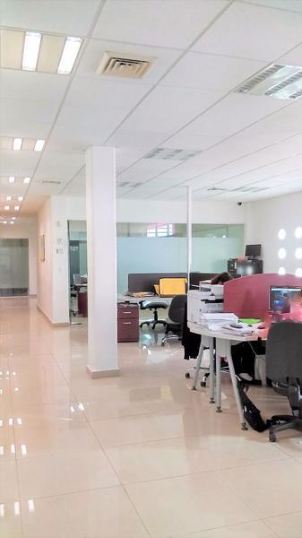 Foto Oficina en Renta en  Supermanzana 23 Centro,  Cancún  RENTO 400 METROS DE OFICINAS FRENTE A WALMART CENTRO!