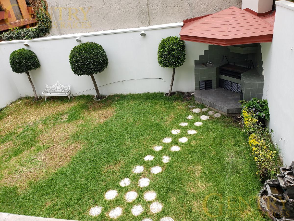 Foto Casa en Renta en  Jardines en la Montaña,  Tlalpan  RESIDENCIA EN CALLE PRINCIPAL