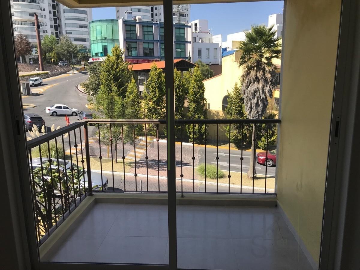 Foto Casa en Venta en  Hacienda de las Palmas,  Huixquilucan  SKG Asesores Inmobiliarios Vende Casa en Hacienda de las Palmas, Interlomas, Huixquilucan