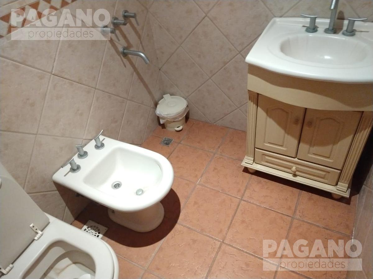 Foto Local en Venta en  La Plata ,  G.B.A. Zona Sur  155 e/ 34 y 35