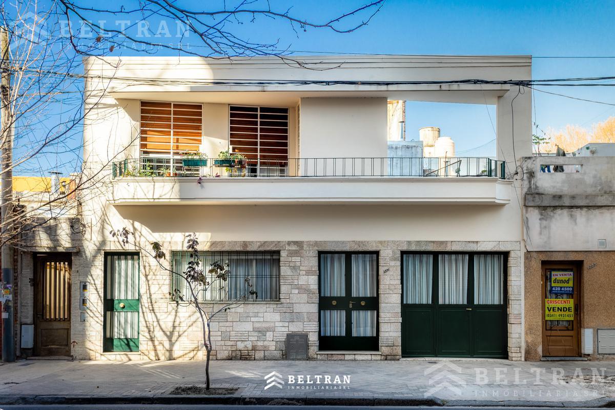 Foto Casa en Venta en  Rosario,  Rosario  Suipacha 1300. Al frente con garage.