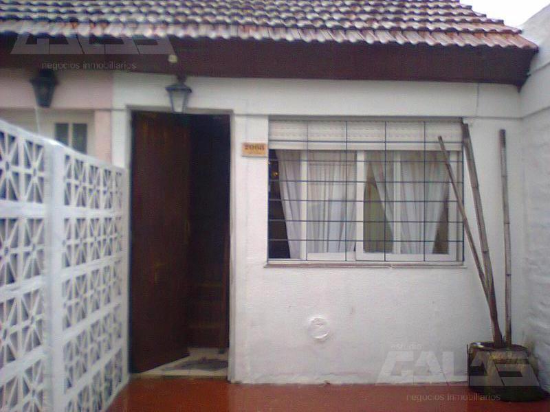 Foto Casa en Venta   Alquiler en  Ituzaingó,  Ituzaingó  Santa Cruz entre Perez Quintana y Los Matreros