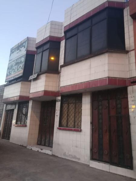 Foto Casa en Venta en  Sur de Quito,  Quito  Casa comercial de venta con sala de recepciones.