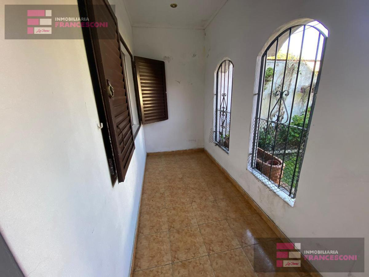 Foto Casa en Venta en  Villa Elvira,  La Plata  3 79 y 80