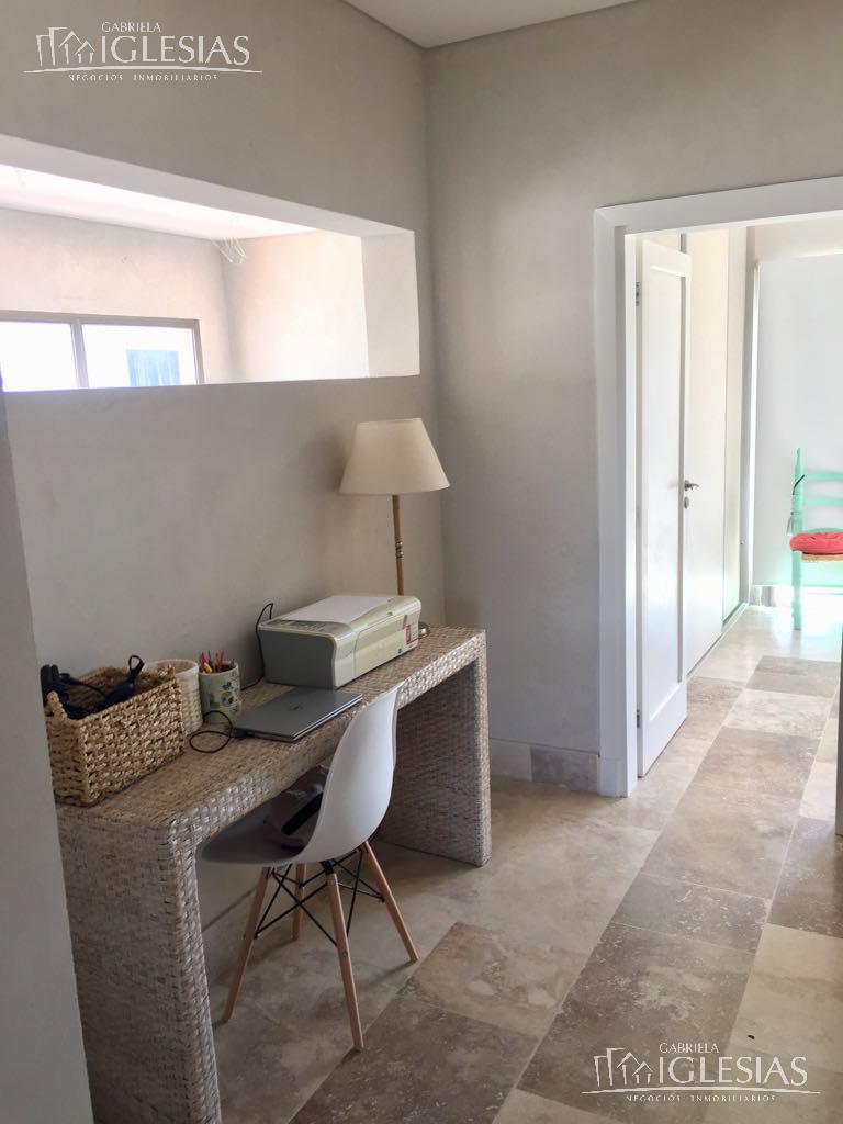 Casa en Venta en San Benito a Venta - u$s 630.000