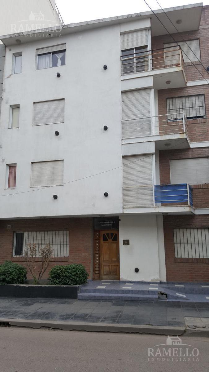 Foto Departamento en Alquiler en  Centro,  Rio Cuarto  Lamadrid al 800