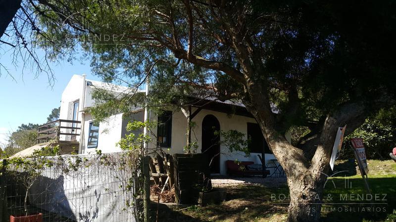 Foto PH en Venta en  Cerro del Toro,  Piriápolis          Caseros y Avenida Piria   casa con apto.
