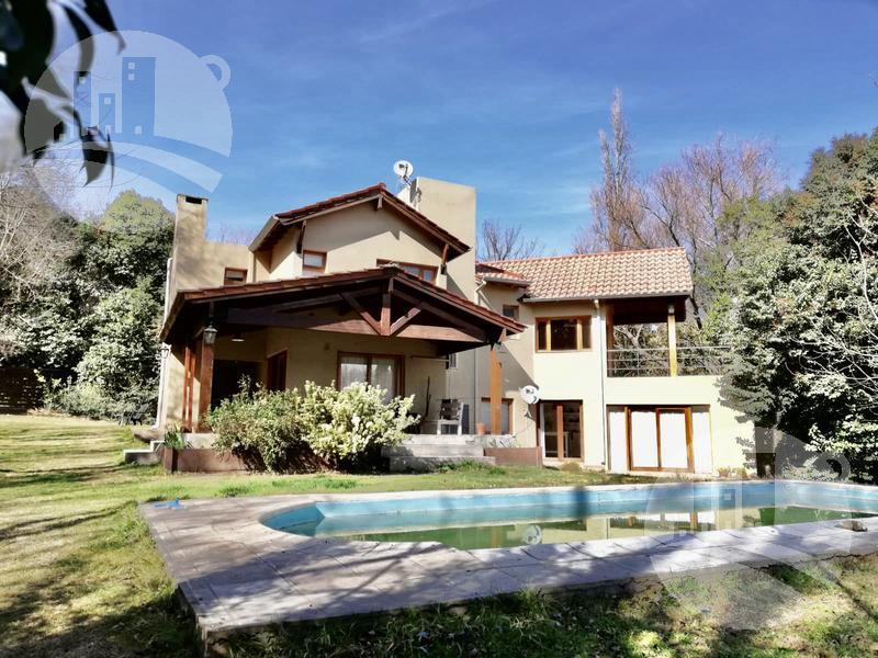 Foto Casa en Venta en  Merlo,  Junin  4 dormitorios, uno en suite