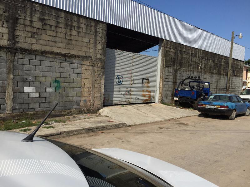 Foto Bodega Industrial en Renta en  Presas del Arenal,  Tampico  B-058 BODEGA DE 800 M2.  POR EL AEROPUERTO