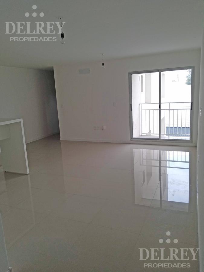 Foto Departamento en Alquiler en  Centro (Montevideo),  Montevideo  Maldonado y Rio Negro Aprox