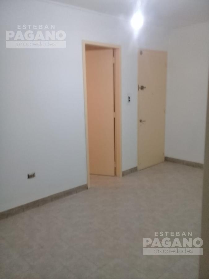 Foto Departamento en Alquiler en  La Plata ,  G.B.A. Zona Sur  50 N° 661 entre 8 y 9 , 5to D
