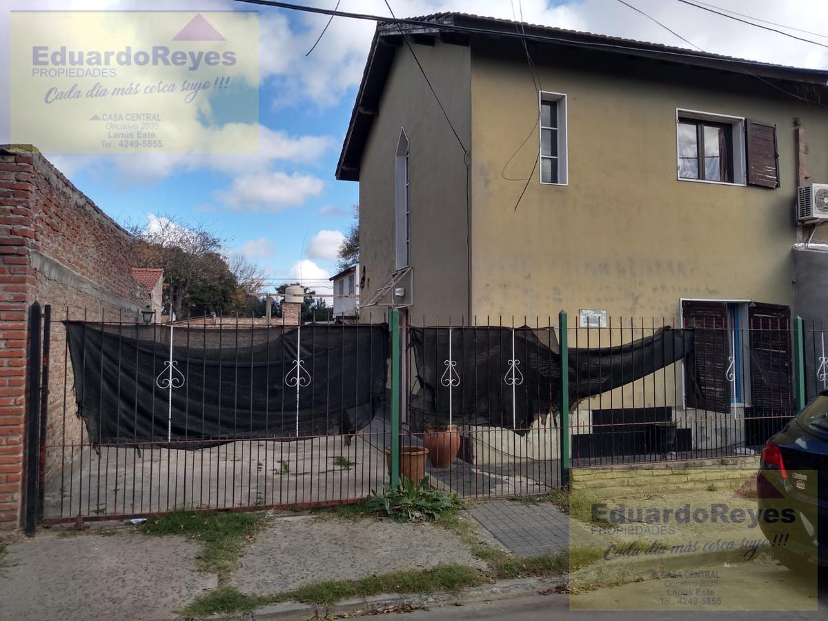 Foto Casa en Venta en  Burzaco,  Almirante Brown  CUPERTINO DEL CAMPO 215 BARRIO CORIMAYO, M26 C2