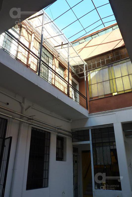 Foto Edificio Comercial en Venta en  San Telmo ,  Capital Federal  Defensa al 700