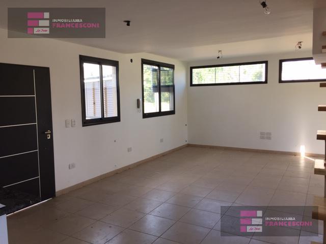 Foto Casa en Venta en  Manuel B Gonnet,  La Plata  504 Y 28