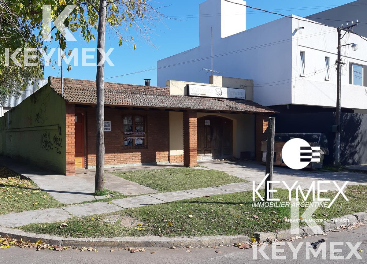 Foto Local en Alquiler en  City Bell,  La Plata  LOCAL en alquiler - calle 14A esquina 472
