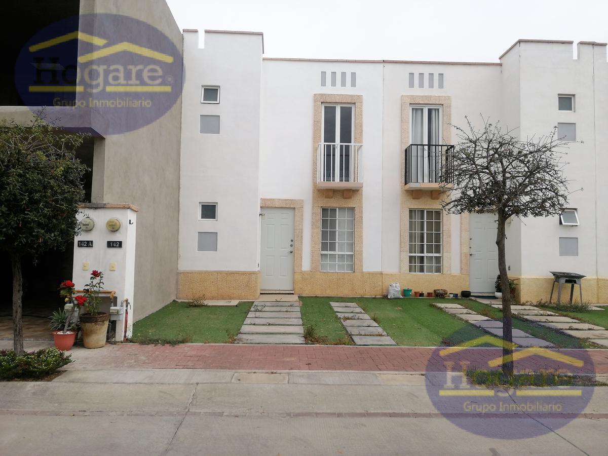 Casa en venta 2 recamarás cada una con baño Fraccionamiento El Dorado León Gto.