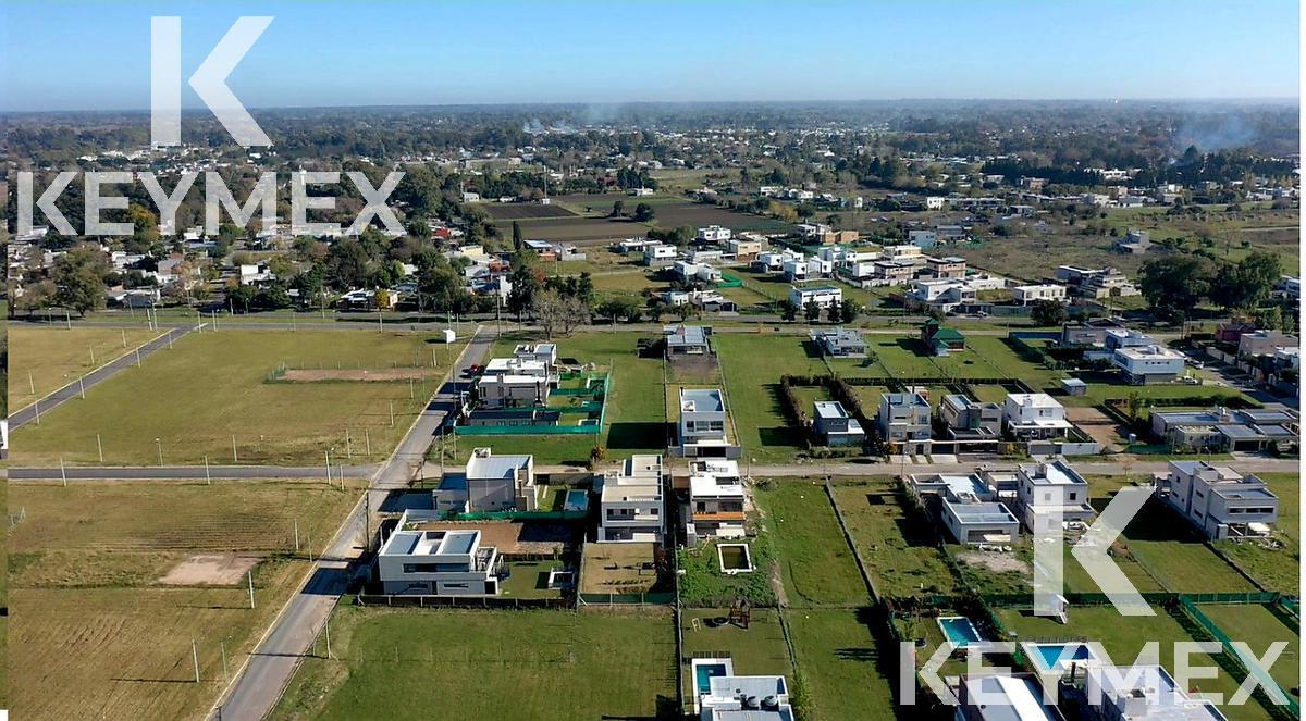 Foto Terreno en Venta en  Joaquin Gorina,  La Plata  Lote en Altos de Don Carlos I - 137 bis e/ 508 y 509