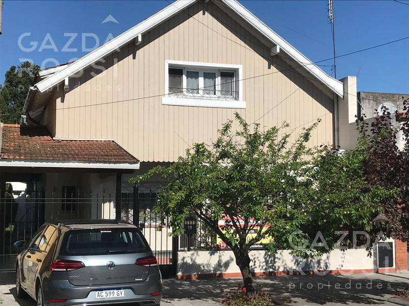 Foto Casa en Venta en  Turdera,  Lomas De Zamora  Av. Luis Puig al 300