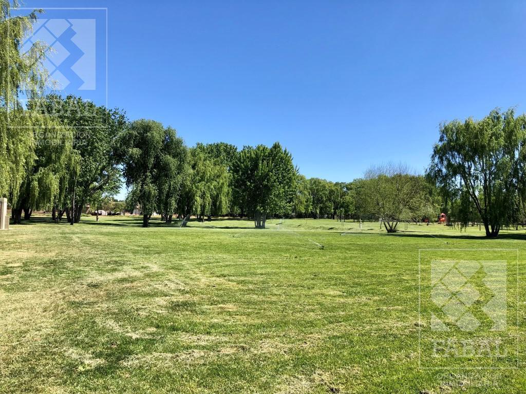 Foto Casa en Venta en  Río Grande,  Capital  Favaloro 824 - Jardines del Rey