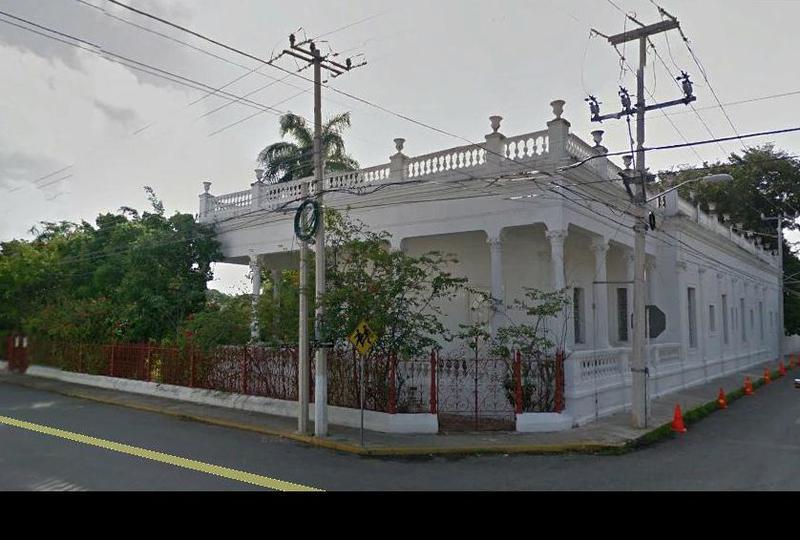 Foto Casa en Renta en  Itzimna,  Mérida   Casona en esquina frente al parque de Itzimná